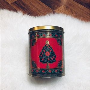 🦋2/$10 3/$15 4/$18 5/$20 Vintage Hallmark Tin
